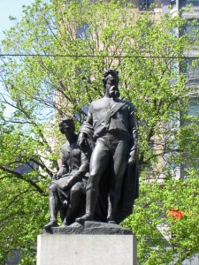 Stature to Burke and Wills in Melbourne.